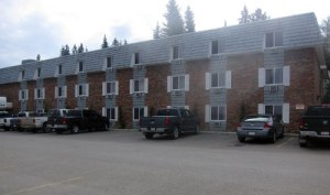 Hinton - Twins Pine Inn & Suites