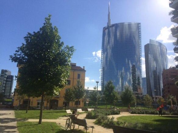 Milano - Grattacieli di piazza Gae Aulenti da via de Castilla