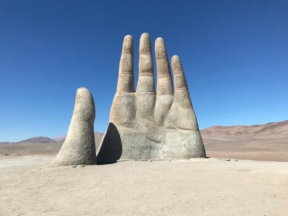 Deserto di Atacama - Mano nel deserto